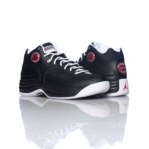 outlet store f2dd9 9dd70 Jordan Other - Air Jordan Jumpman Team 1 Basketball Shoes
